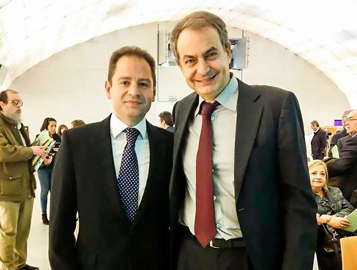 Alberto y Zapatero - TTQS Traducciones